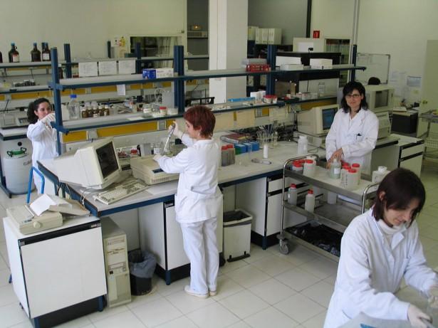 Laboratori anàlisi mostres residus