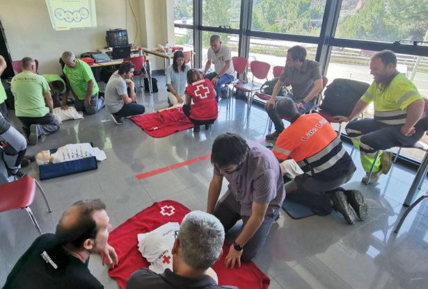 Formació en tècniques d'actuació en cas d'emergències: primers auxilis i extinció d'incendis
